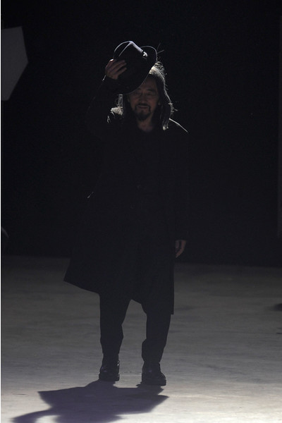 показ Yohji Yamamoto