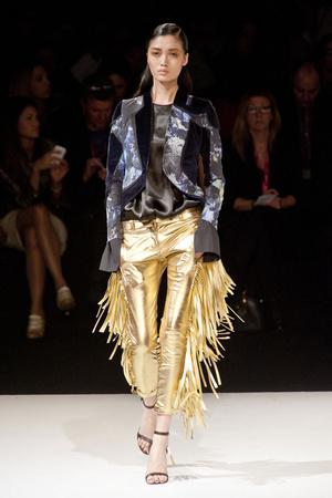 Показы мод Just Cavalli Осень-зима 2014-2015 | Подиум на ELLE - Подиум - фото 3930