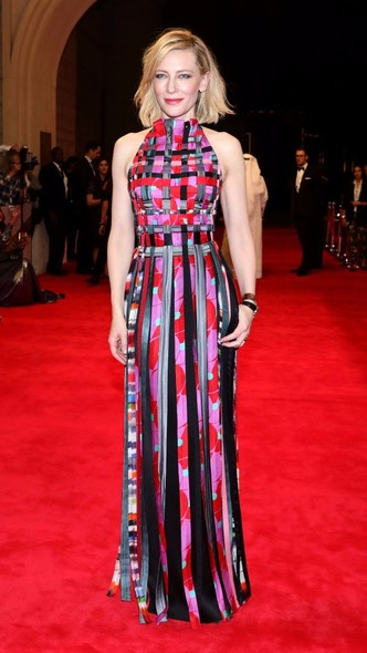 Образ дня: Кейт Бланшетт в платье Giorgio Armani на фестивале в Дубае (фото 2)