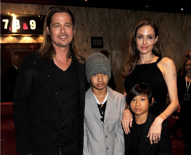 Брэд Питт и Анджелина Джоли с сыновьями Мэддоксом и Паксом