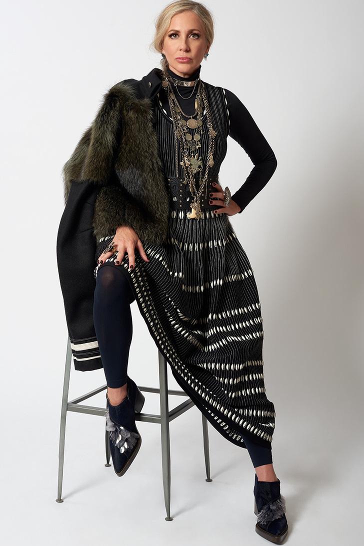 """Кармен Бускетс: """"Надеюсь, люди начнут покупать одежду для того, чтобы сделать мир лучше"""" фото [2]"""