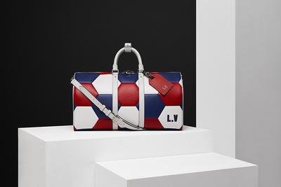 Louis Vuitton выпустил коллекцию аксессуаров к чемпионату мира по футболу (галерея 1, фото 0)