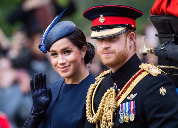 «Моя жизнь перевернулась с ног на голову»: принц Гарри впервые рассказал об уходе из королевской семьи (фото 1)
