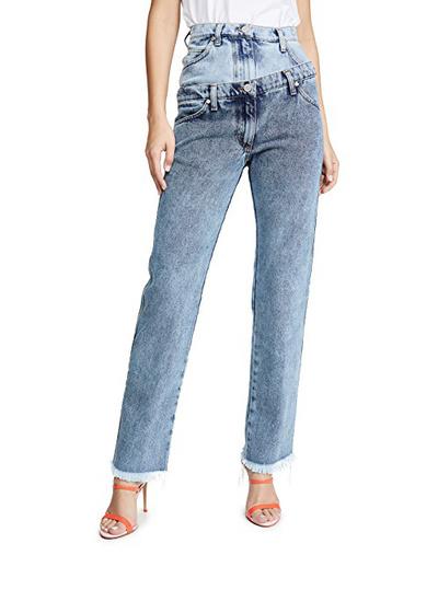 Какие джинсы будут самыми модными этой осенью? (галерея 4, фото 0)