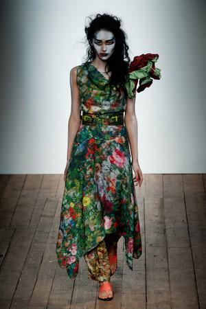 Показ Vivienne Westwood Red Label коллекции сезона Весна-лето 2014 года Prêt-à-porter - www.elle.ru - Подиум - фото 563843