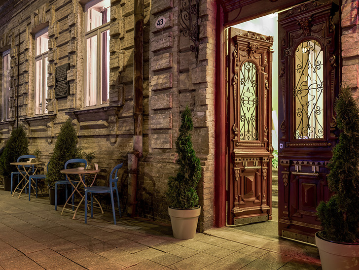 Модный ресторан в Батуми (фото 9)