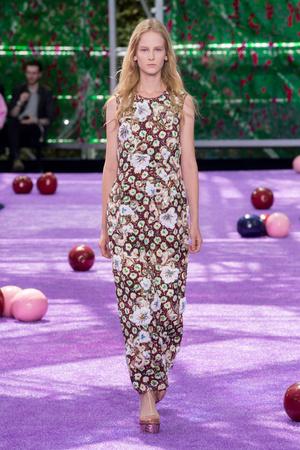 Показ Christian Dior коллекции сезона Осень-зима 2015-2016 года haute couture - www.elle.ru - Подиум - фото 596922