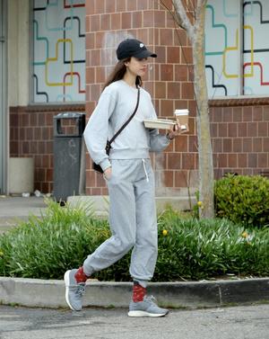 Маргарет Куэлли выходит из дома только для пробежки и кофе (фото 0.2)
