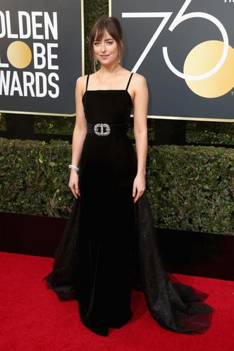 Женщины в черном: самые эффектные платья «Золотого глобуса» (фото 26)