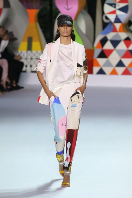 Akris выпустил коллекцию одежды по мотивам творчества Александра Жирара   галерея [1] фото [7]