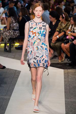 Показы мод MSGM Весна-лето 2015 | Подиум на ELLE - Подиум - фото 4168