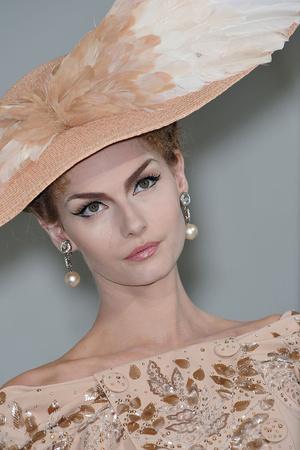 Показ Christian Dior коллекции сезона Осень-зима 2009-2010 года Haute couture - www.elle.ru - Подиум - фото 87298