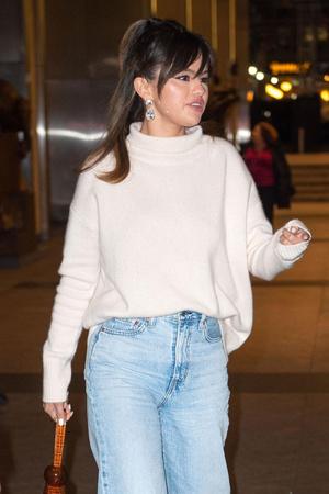 Селена Гомес нашла самые модные джинсы сезона (фото 0.2)