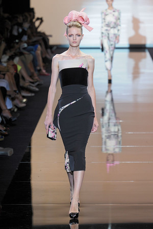 Показ Giorgio Armani Privé коллекции сезона Осень-зима 2011-2012 года haute couture - www.elle.ru - Подиум - фото 277589