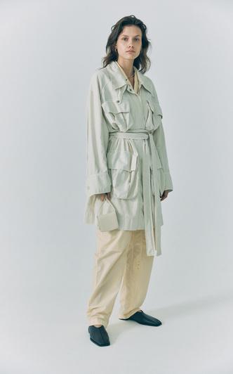 Сафари-куртка — идеальная вещь для весенних прогулок. Вот 15 вариантов (фото 8.2)