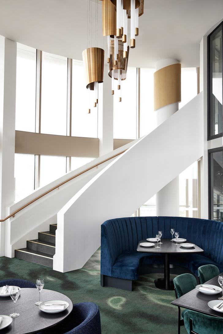 Модный ресторан на 19 этаже отеля (фото 4)