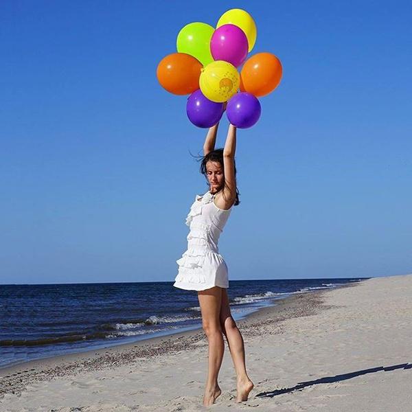 Лето, море, солнце и яркие шарики ) #elle_поющиеподдождем