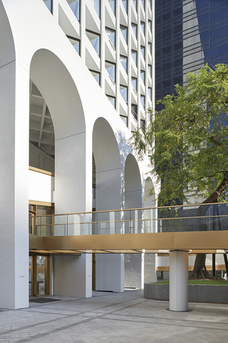 Реконструкция иконы модернизма Гонконга от Foster + Partners (фото 2.2)