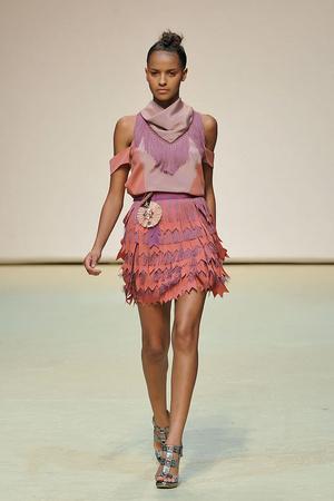 Показы мод Richard Nicoll Весна-лето 2010 | Подиум на ELLE - Подиум - фото 3023