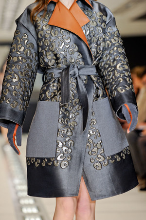 Показ Balenciaga коллекции сезона Осень-зима 2012-2013 года Prêt-à-porter - www.elle.ru - Подиум - фото 375141