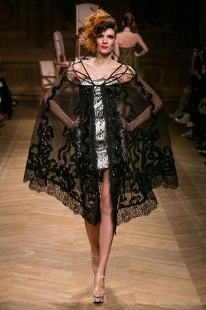 Показ Eric Tibusch коллекции сезона Весна-лето 2014 года haute couture - www.elle.ru - Подиум - фото 574885