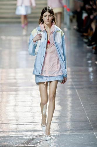 показ miu miu на неделе моды в париже 2014-2015