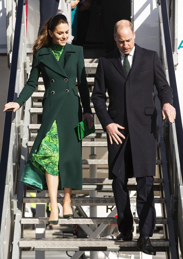 Ирландская фея: Кейт Миддлтон в зеленом платье Alessandra Rich (фото 1)