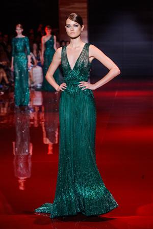Показ Elie Saab коллекции сезона Осень-зима 2013-2014 года Haute couture - www.elle.ru - Подиум - фото 556190