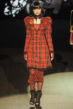 Показ Betsey Johnson коллекции сезона Осень-зима 2011-2012 года prêt-à-porter - www.elle.ru - Подиум - фото 229357