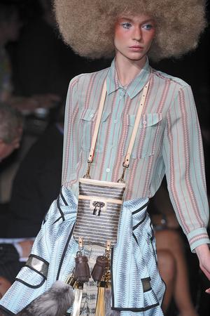 Показ Louis Vuitton коллекции сезона Весна-лето 2010 года Prêt-à-porter - www.elle.ru - Подиум - фото 122779