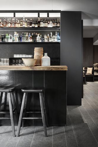 Винный бар-бистро 75 Café & Lounge — новый проект Пьеро Лиссони (фото 8.2)
