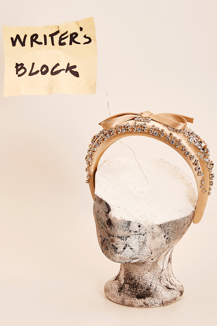 Бумажная страна: модные аксессуары как атрибуты поэтического творчества (фото 0)