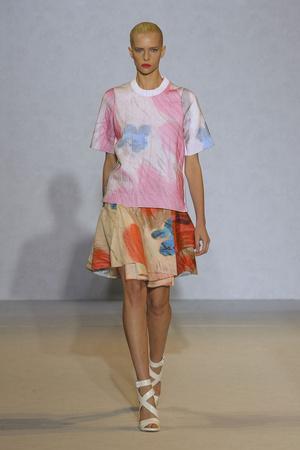 Показ Nicole Farhi коллекции сезона Весна-лето 2012 года Prêt-à-porter - www.elle.ru - Подиум - фото 299488