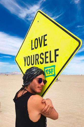 Буря в пустыне: Эдгардо Озорио — о том, как выжить на фестивале Burning Man фото [2]