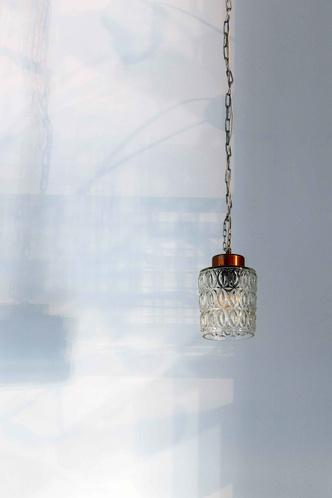 """Матча-бар """"Салют"""" с граффити и винтажными светильниками в Петербурге (фото 14.2)"""