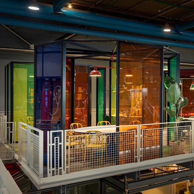 Новое кафе в Центре Помпиду по дизайну Хайме Айона (фото 2)