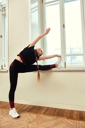 Сюзанна, Надя Карпова и Александра Трусова в новой кампании adidas Primeknit (фото 3.1)