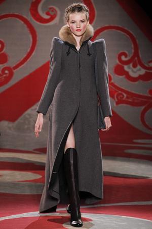 Показ Ulyana Sergeenko коллекции сезона Осень-зима 2012-2013 года haute couture - www.elle.ru - Подиум - фото 404226
