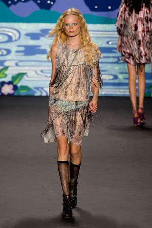 Показ Anna Sui коллекции сезона Весна-лето 2014 года prêt-à-porter - www.elle.ru - Подиум - фото 562301