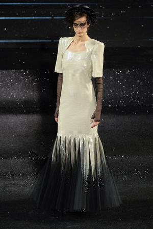 Показ  коллекции сезона Осень-зима 2011-2012 года Haute couture - www.elle.ru - Подиум - фото 278054