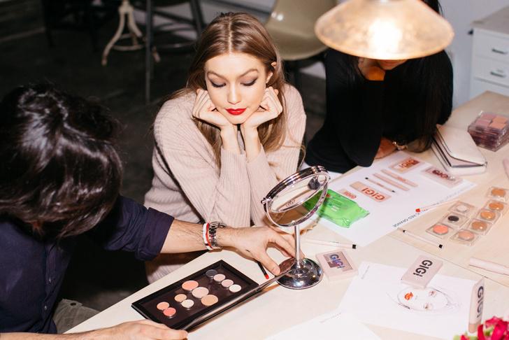 Все, что нужно знать о новой коллекции макияжа Gigi Hadid X Maybelline фото [10]