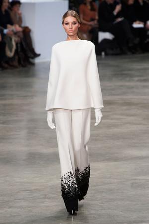 Показ Stephane Rolland коллекции сезона Весна-лето 2013 года Haute couture - www.elle.ru - Подиум - фото 479750