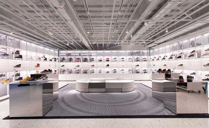 Флагманский бутик Nike в Нью-Йорке (фото 7)