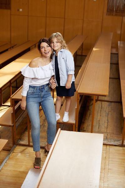 Скоро в школу: звездные мамы с детьми в новой рекламной кампании H&M | галерея [1] фото [6]
