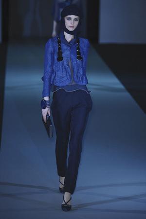 Показы мод Giorgio Armani Весна-лето 2011 | Подиум на ELLE - Подиум - фото 2530