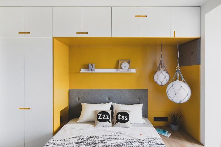 Полка у изголовья кровати (галерея 0, фото 4)