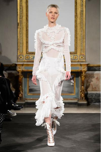 Самые красивые образы Недели моды в Милане   галерея [1] фото [3]