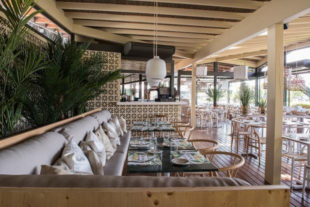 Светлый ресторан в Лиссабоне (фото 0)