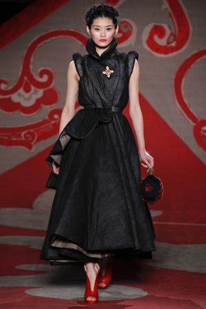 Показ Ulyana Sergeenko коллекции сезона Осень-зима 2012-2013 года haute couture - www.elle.ru - Подиум - фото 404218