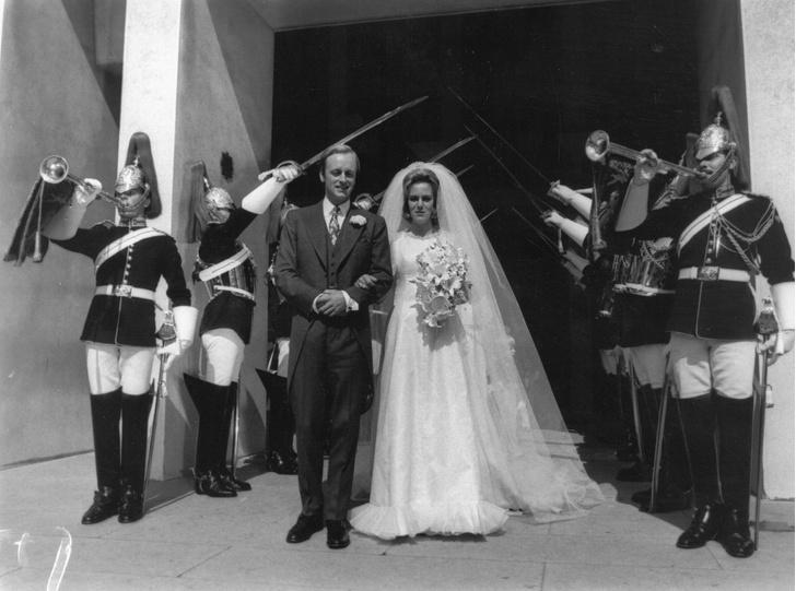 Свадьба Эндрю Паркер-Боулза и Камиллы Шанд фото